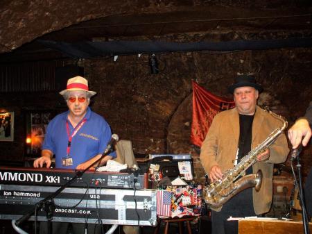 Jon Hammond and Tony Lakatos in JazzkellerFrankfurt